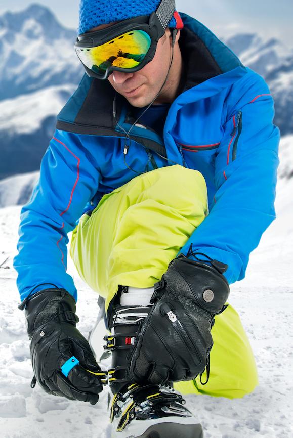 ArcX smart-ring, indossato sopra i guanti